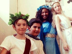 Gaspard, Darius, Kadiatou et Mia, l'une des distributons de L'étrange délire de Narcisse...