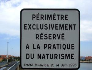 panneau périmètre naturisme autorisé